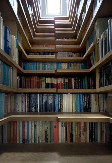 Imagem de Escadaria de Livros