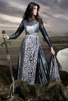 Garota com espada